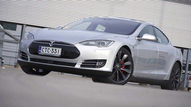 Koeajo: Tesla – nelivedon villiä voimaa