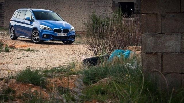 Koeajo: Seitsenpaikkainen tila-auto BMW 220iA