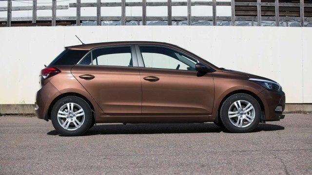 Hyundai_i20_5d_2015_AH_031