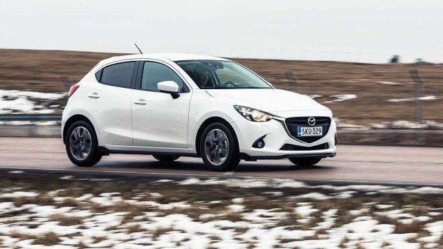 Koeajo: suomea ymmärtävä Mazda2