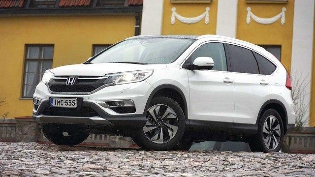 Koeajo: katumaasturisuosikki Honda CR-V