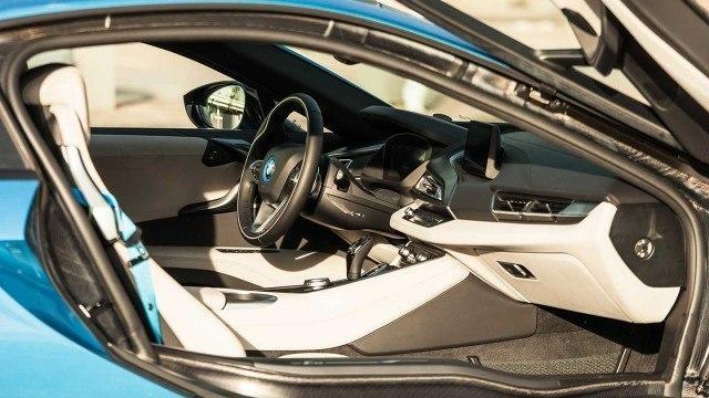 BMW_i8_2015_LA-14