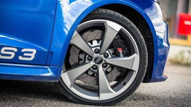 Audi_RS3_2015_LA-16
