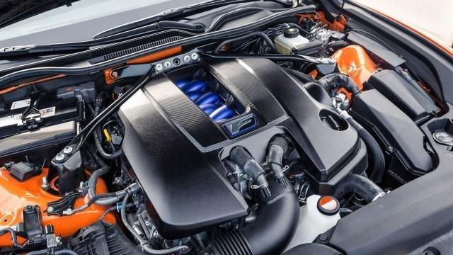 Lexus_RC_F_Mercedes_AMG_C63-8
