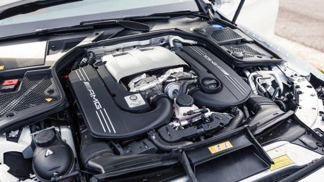Lexus_RC_F_Mercedes_AMG_C63-9