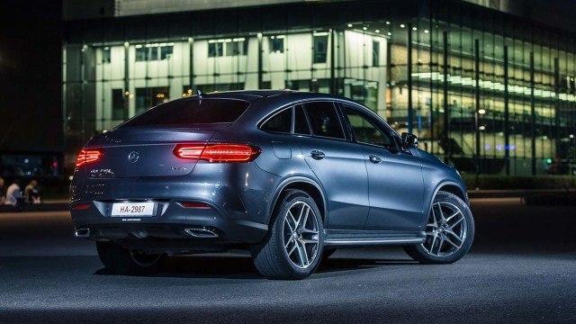 Mercedes-Benz_GLE_350d_Coupe_2015_LA-1