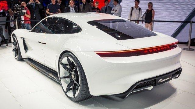 Porsche_Mission_E-1