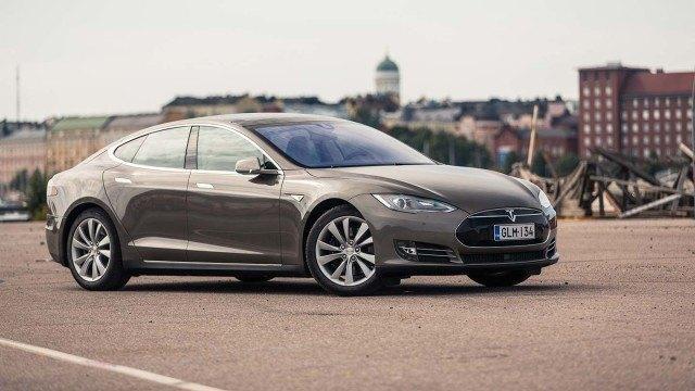 Koeajo: mallistonsa myydyin Tesla Model S
