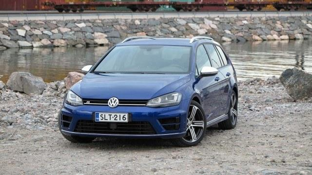 Volkswagen_Golf_Variant_R_2015_PM_21