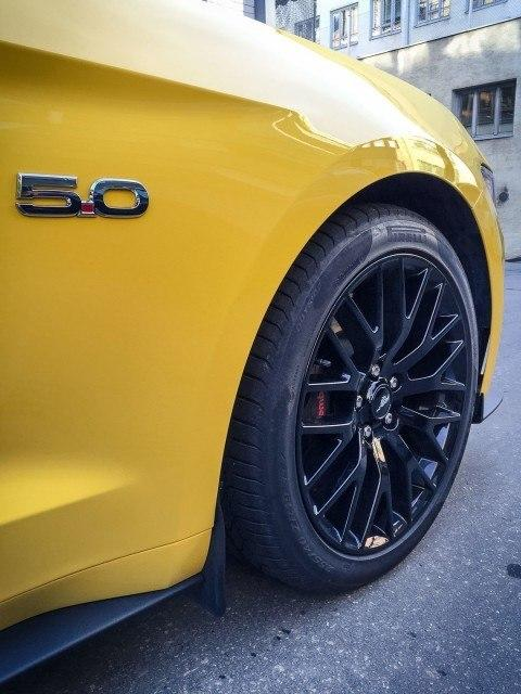 Ford_Mustang_GT_maistiainen-2