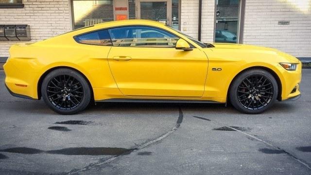 Ford_Mustang_GT_maistiainen-3