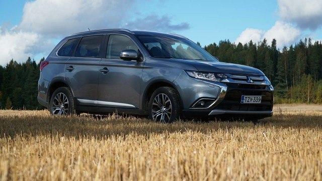 Koeajo: seitsenpaikkainen Mitsubishi Outlander