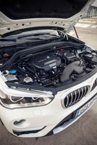 BMW_X1_suomi_2015_LA-12