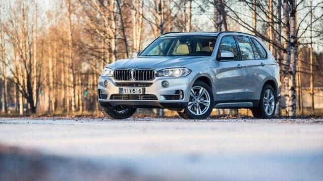 Koeajo: BMW X5 xDrive40e – Ympäristön vai omatunnon tähden?