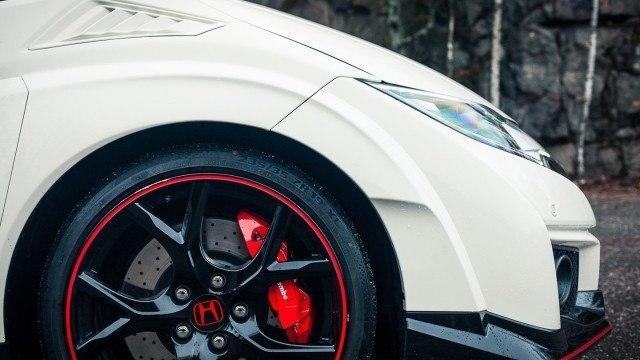 Honda_Civic_Type_R_2015_Suomi_LA-6