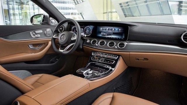 Mercedes-Benz_E-sarja_2016_W213_1