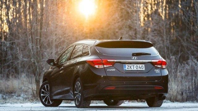 Hyundai_i40_facelift_2015_LA-7