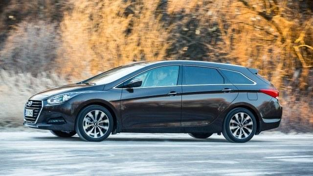 Hyundai_i40_facelift_2015_LA-9