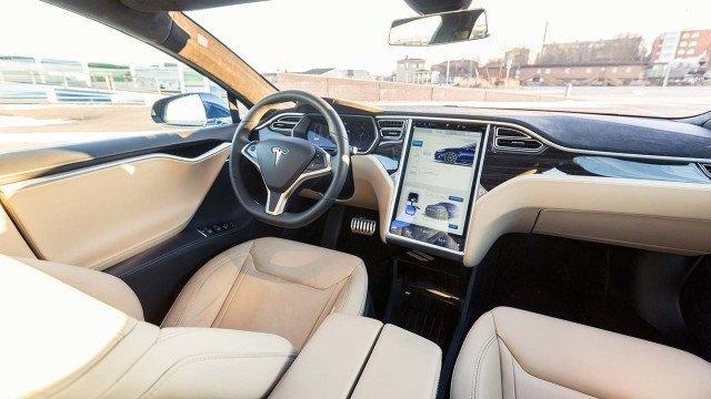 Tesla_Model_S_P90D_2015_LA-19