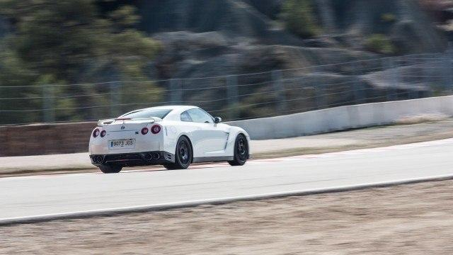 Nissan_GT_R_Track_Edition_2016_LA-4