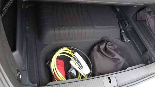 Volkswagen_Passat_Variant_GTE_2016_PM33
