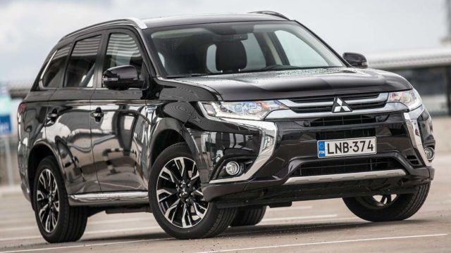 Koeajo: uusi ja vanha kohtaavat – Mitsubishi Outlander PHEV