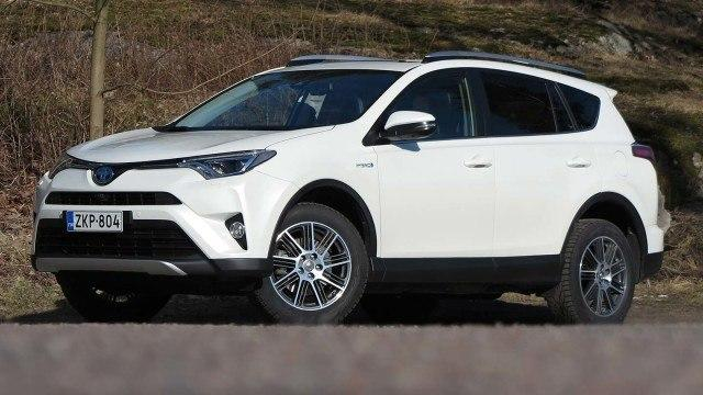Koeajo: Toyota RAV4 Hybrid – sähköwokki