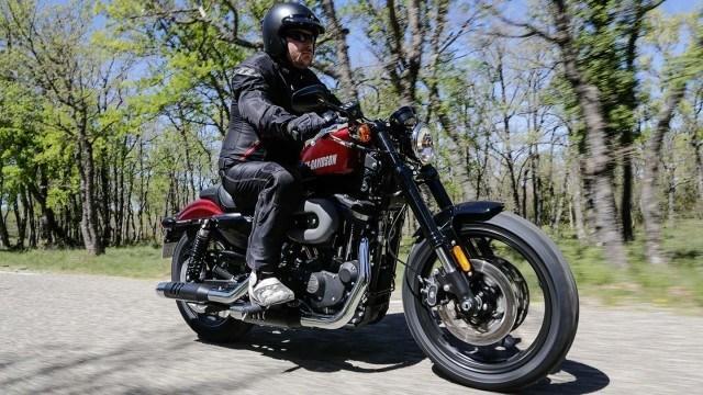 Koeajo: Harley-Davidson Roadster - perinteet kunniaan