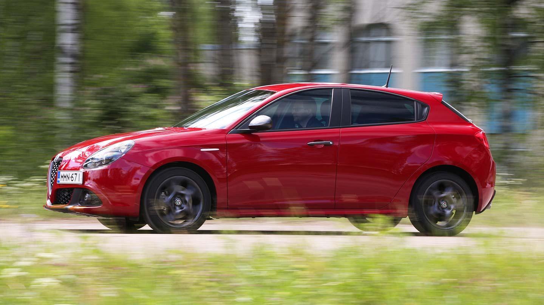 Alfa Romeo Giulietta >> Koeajo Alfa Romeo Giulietta Kevyt Meikki Riittaa