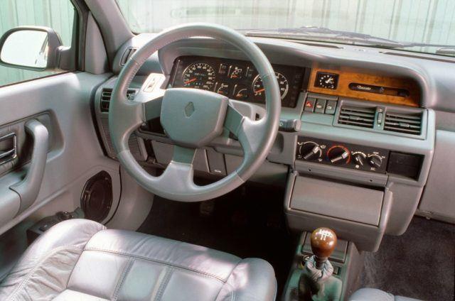 Renault Clio Baccara