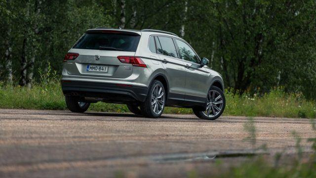Volkswagen_Tiguan_20_TDI_2016_LA-1