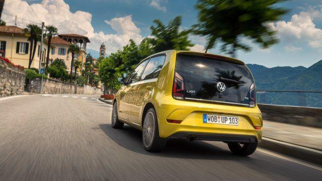 Volkswagen_Up_2016_LA-1