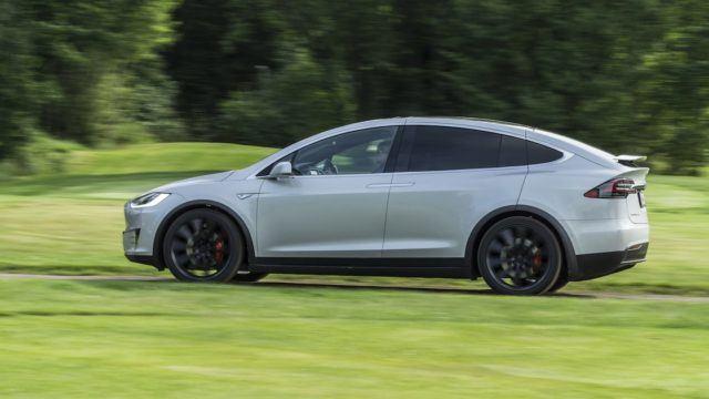 Koeajo: ovelat ovet ja tulevaisuuden tila-auto  – Tesla Model X P90D