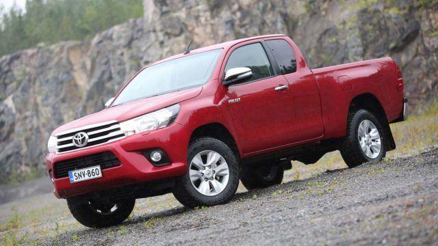 Koeajo: lava-autojen kestosuosikki uudistui – Toyota Hilux