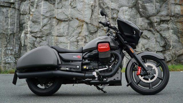 Moto Guzzi MGX21 Flying Fortress