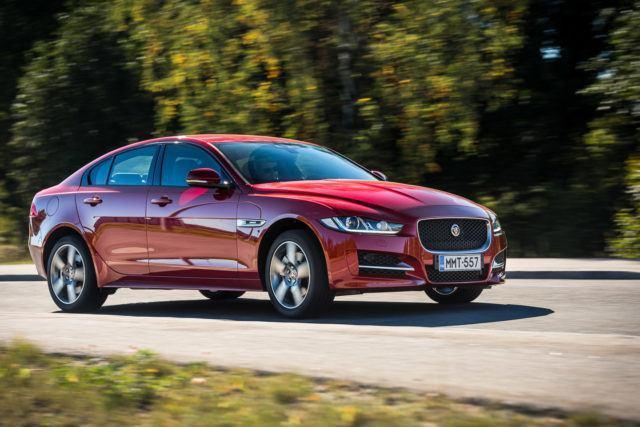 Koeajo: Nelivedon vahvistama Jaguar XE AWD