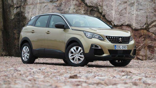 Koeajo: Peugeot 3008 PureTech 130 Active haastaa Qashqain ja Atecan