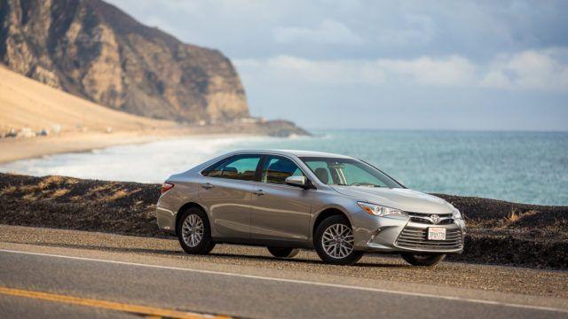 Koeajo: Tavallisen Amerikan auto – Toyota Camry 2.5 LE