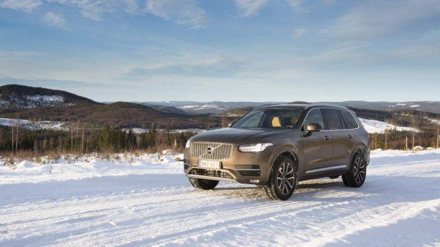 Koeajo: Volvo XC90 omilla maillaan