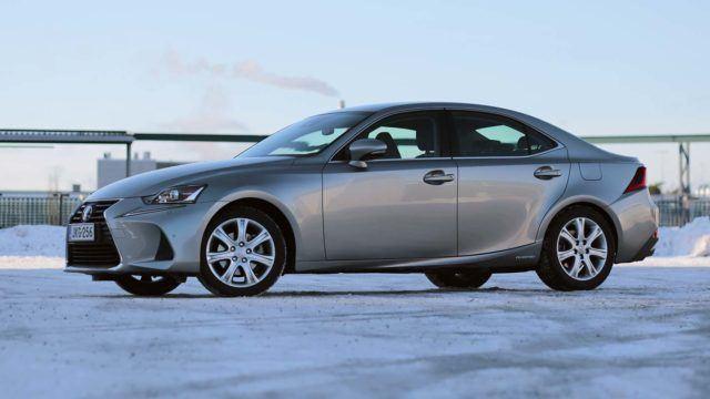 Koeajo: hiottua harmoniaa – Lexus IS 300h