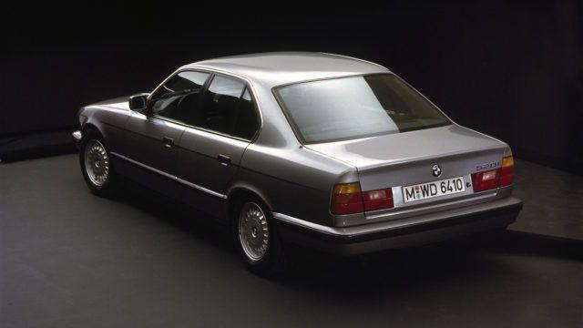 BMW 5-sarjan lyhyt historia E34