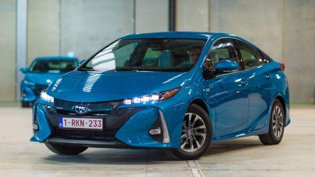 Maistiainen: töpseliin tykästynyt Toyota Prius Plug-in Hybrid