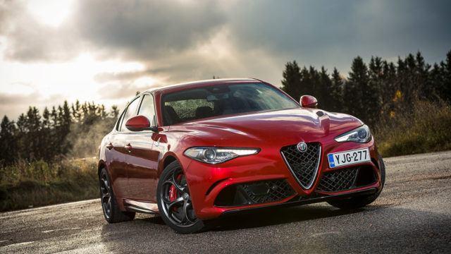 Koeajo: Alfa Romeo Giulia Quadrifoglio näyttää Alfalta, tuntuu Ferrarilta