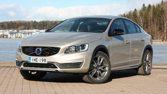 Koeajo: klassikon kalossit – Volvo S60 Cross Country