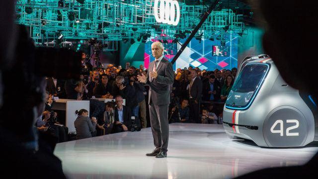 Volkswagen pyörittää johtajarulettia – korvaako Diess pääjohtaja Müllerin?