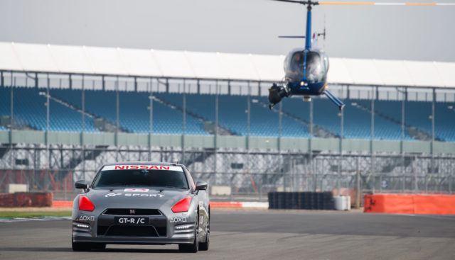 Pleikkarin ohjaimella kahtasataa – kauko-ohjattava Nissan GT-R