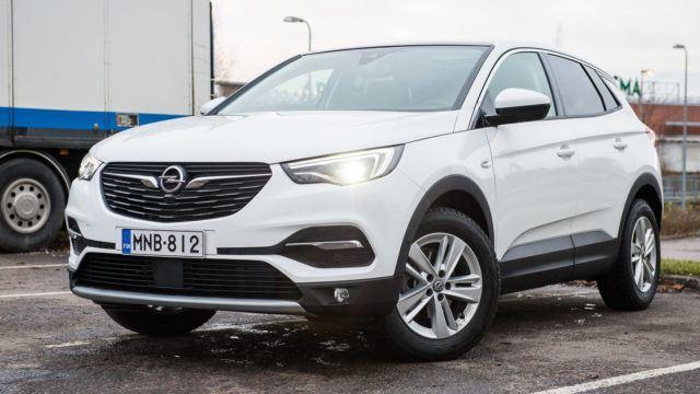 Koeajo: Tavallisen tasavahva Opel Grandland X 1.2 Turbo Innovation
