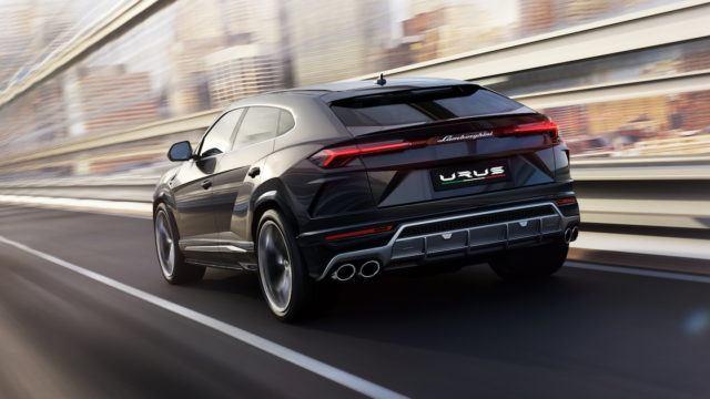 Lamborghini Urus superkatumaasturi SSUV