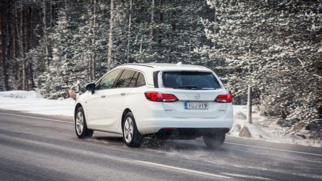 Opel Astra kaasulla