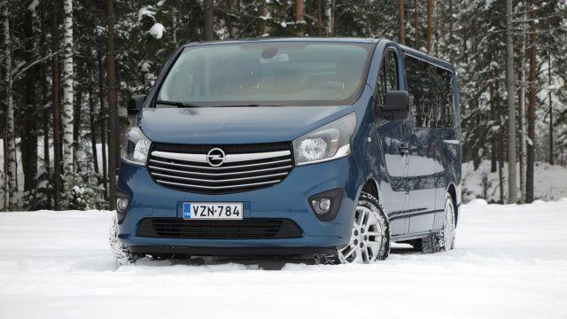 Koeajo: Isolle perheelle - Opel Vivaro Tourer L2H1 1,6 BiTurbo